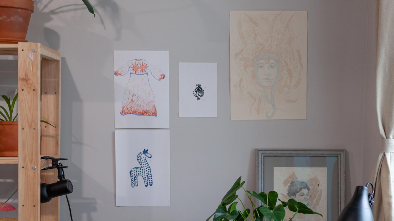 Эскиз к платью, которое еще в процессе работы, линогравюры и первоначальный набросок к Мокоши