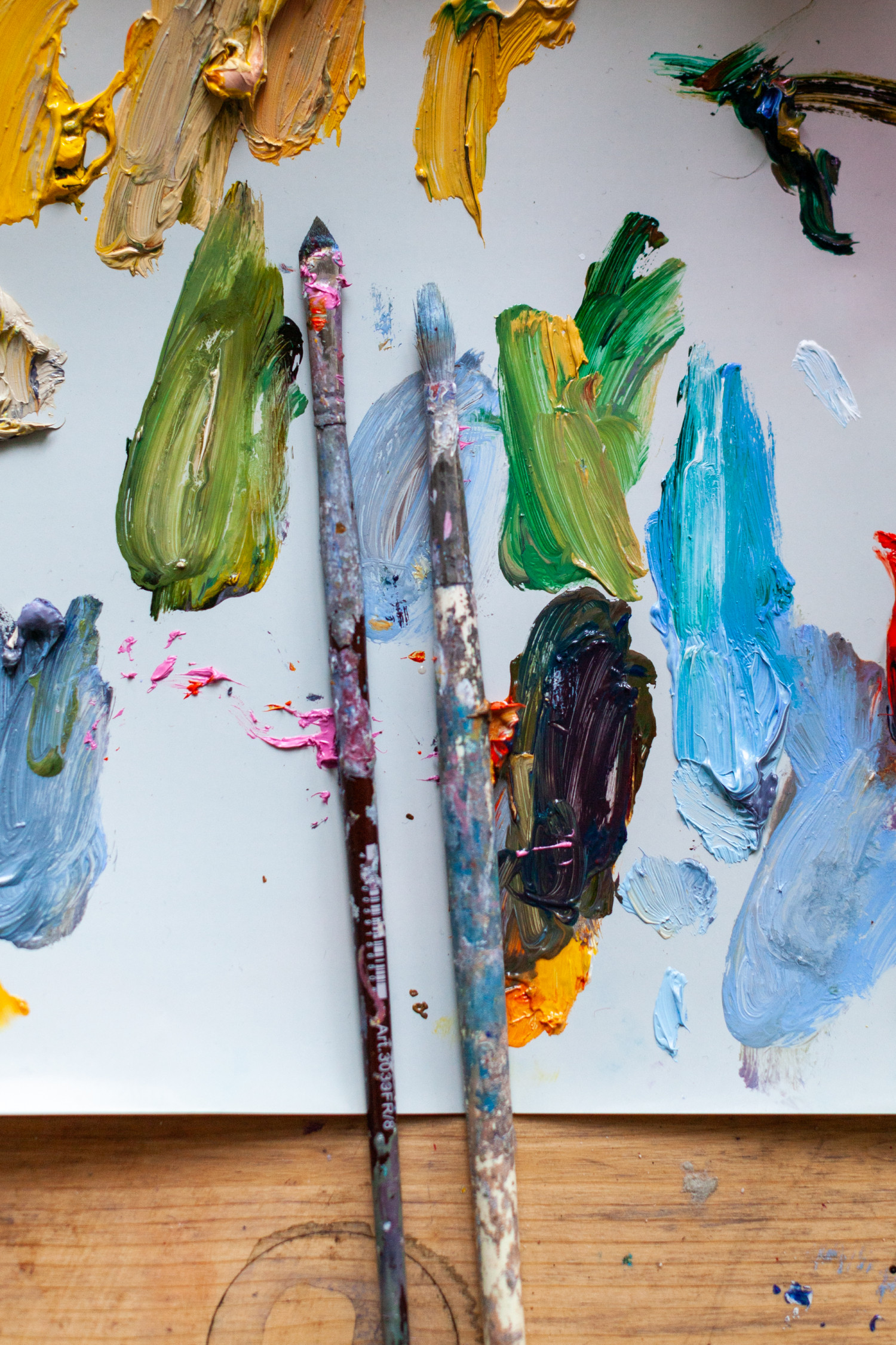В перерывах между исканиями скульптурных объемов  перехожу к холстам и краскам. У меня большая тяга к цвету.